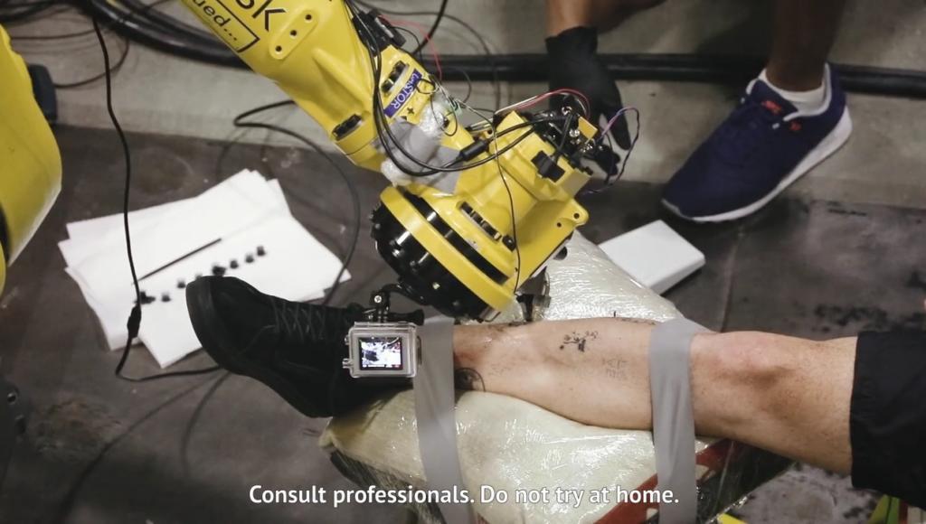 Tatoué robot tattoo robot tatuaż